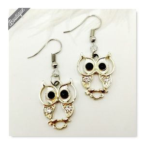 Gold Tone Pair of Adorable Owl Earrings